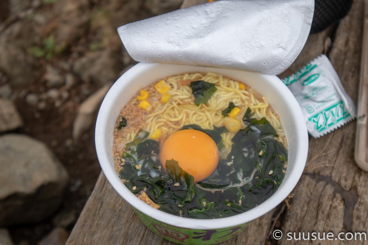 昼食(カップ麺)